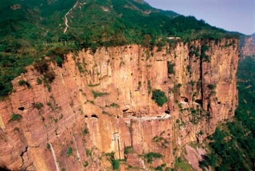 2. Terowongan Guoliang di Cina1