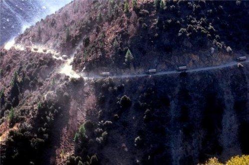 5. Jalan Raya Sichuan – Tibet di Cina2