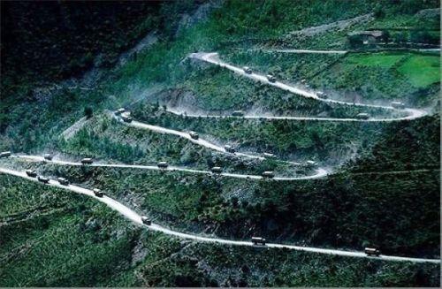 5. Jalan Raya Sichuan – Tibet di Cina6
